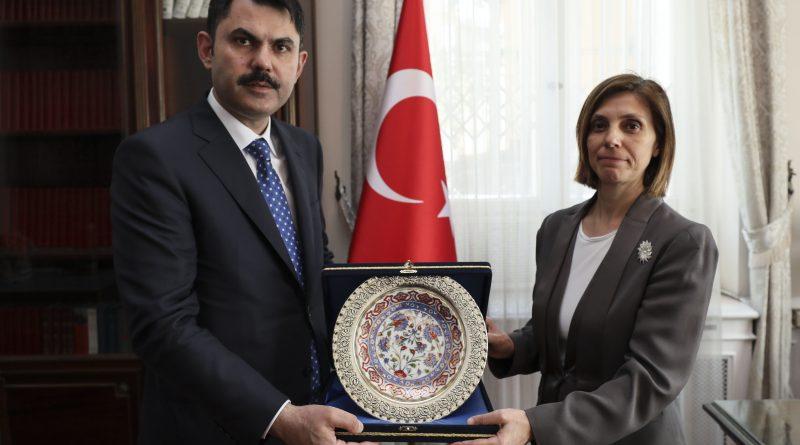 Bakan Kurum, Bükreş Büyükelçiliğini ziyaret etti