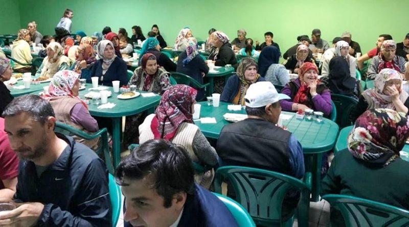 TİKA, ilk iftar yemeğini Başpınar Köyü'nde verdi
