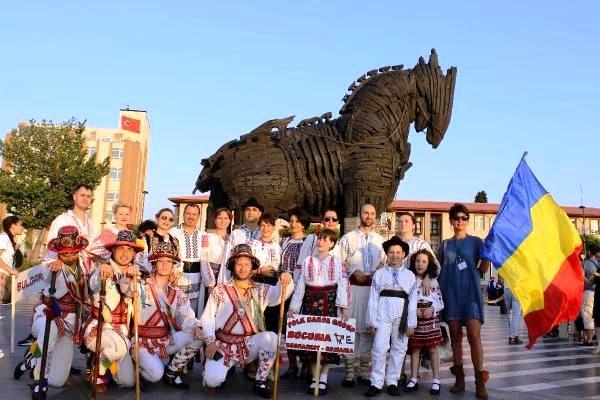 Troya Halk dansları festivali yapıldı