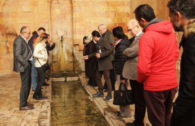 Büyükelçiler Mardin'i ziyaret etti