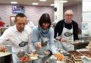 Versteeg ve Özgüzel Marathon Vakfı'nda yemek dağıttı