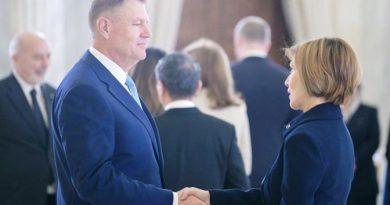Iohannis: AB, ABD ve NATO temel direğimiz