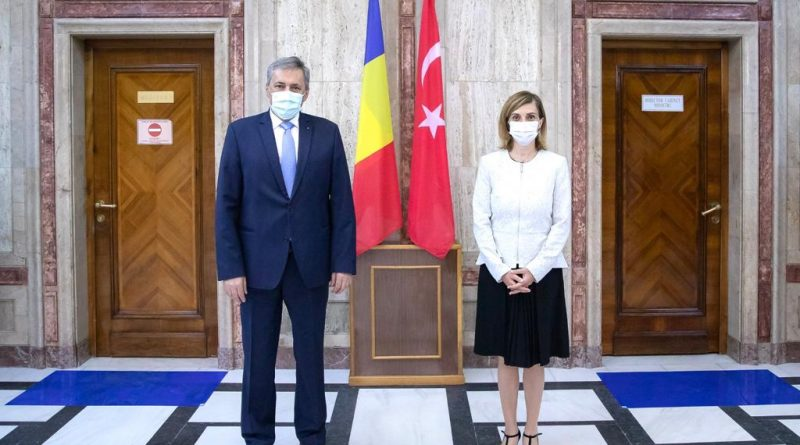 Büyükelçi Aramaz Bakan Vela ile görüştü – Gazete Balkan