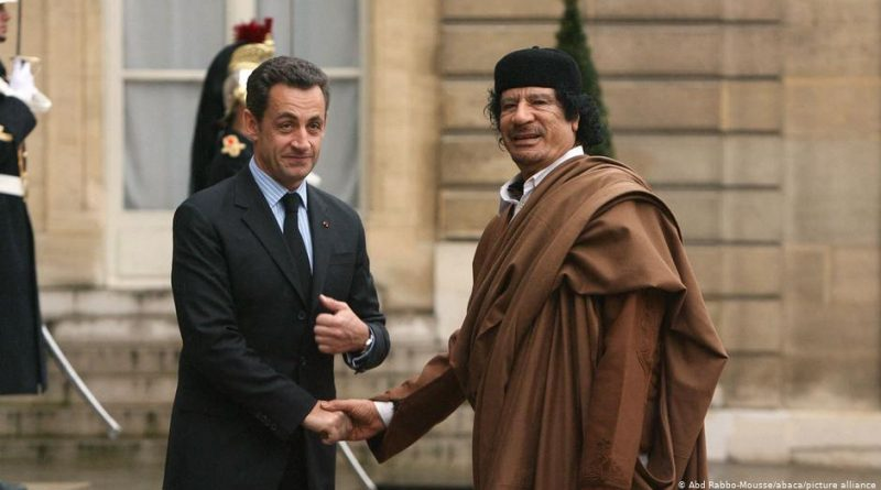 Kibirli Sarkozy rüşvet vermekten hakim karşısında