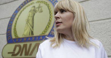 Eski Bakan Elena Udrea'ya 8 yıl hapis
