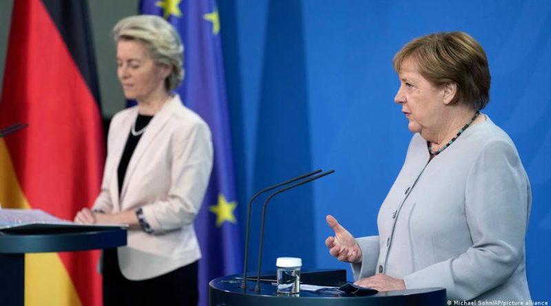 """Merkel, """"Türkiye desteğimizi hak ediyor"""" dedi"""